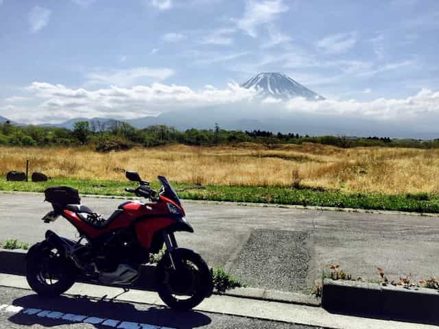 japan motorcycle tour ninjatours matsumoto fuji parked side of road