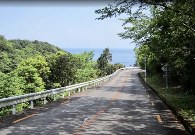 Japan motorcycle tours ninjatours kochi wakayama road near coastline